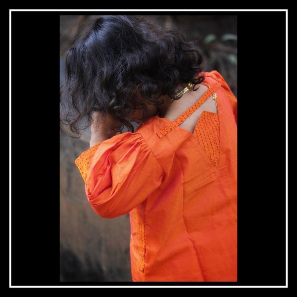 Balloon sleeve kids dress